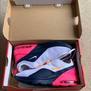 Brand New Nike Air Max Motion 2 Sneaker